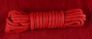 Bondagerep i Röd Bomull