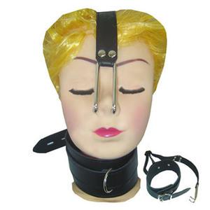 Näskrok med läderhalsband