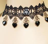 Svart gotisk halsband